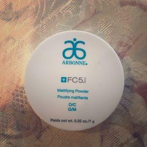 Arbonne FC5 mattifying powder